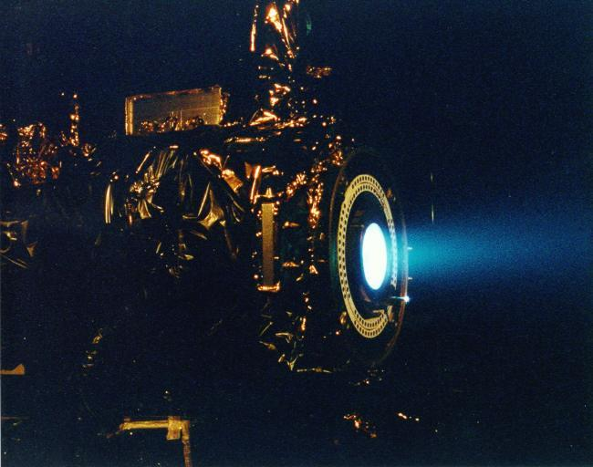https://nos.twnsnd.co/image/182806235206 - Deep Space I Ion Engine